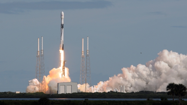 SpaceX Launches 60 More Satellites for Global Internet