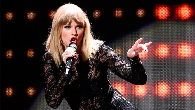 Man Arrested at Taylor Swift House Had Knife, Rope: Police