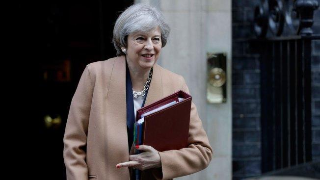 UK Lawmakers Overwhelmingly Back June Election