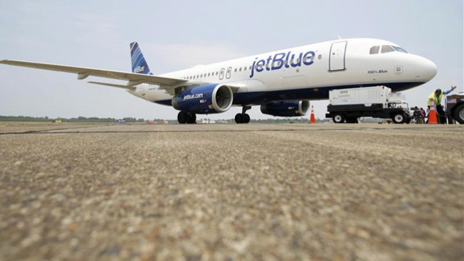 JetBlue Pilot Who Yelled During Flight Sues Airline for $16M
