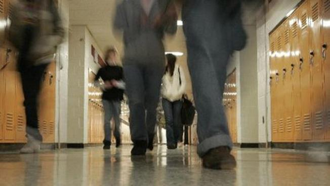 Report: LGBT Students Still Face Discrimination at School