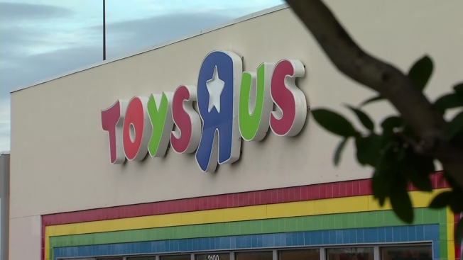 Man In Toys R Us Restroom Id D As 15 Year Old Boy Nbc 5 Dallas
