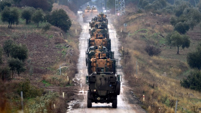 Turkey sends tanks across Syrian border