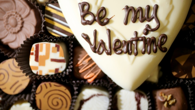 "No Card Required: Say ""I Love You"" This Valentine's Day With These Apps and Sites"