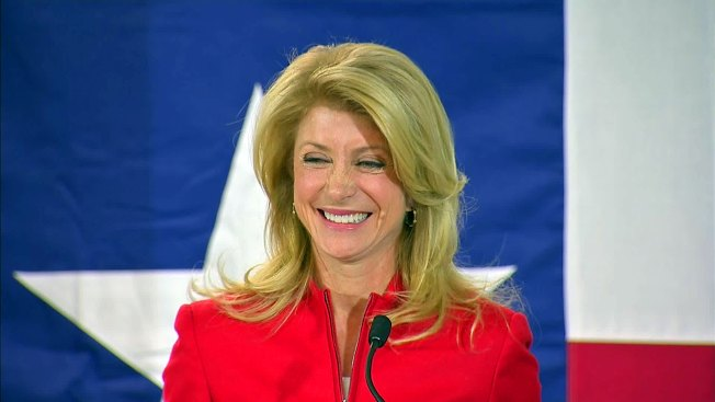 Wendy Davis Questions National Guard on Border