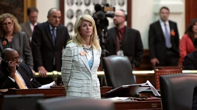 Wendy Davis' Tone Defiant Again as Democrats Meet
