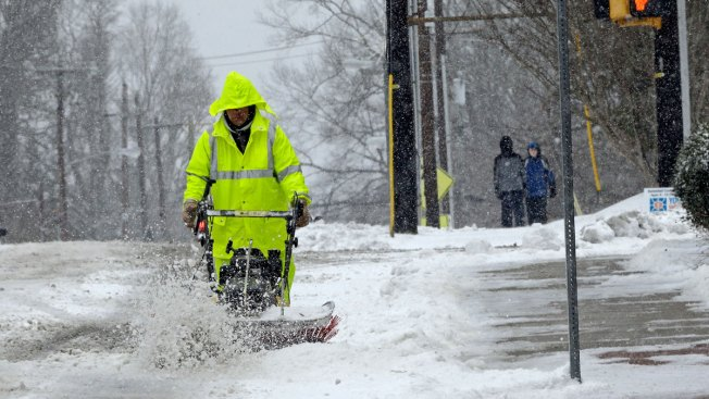 Snow Pounds Parts of East Coast, Spares Several Big Cities