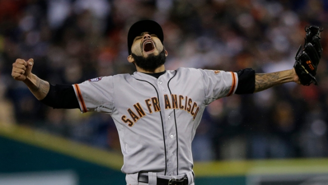 Giants Sweep Tigers to Win World Series