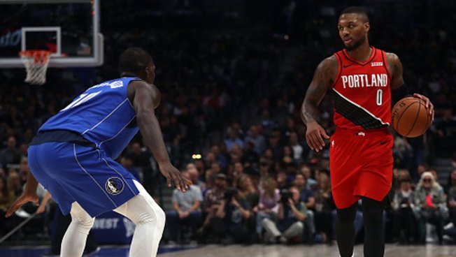 Lillard's Late Layup Sends Trail Blazers Past Mavs
