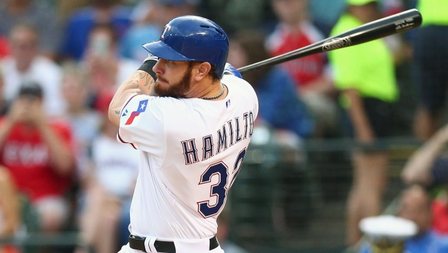 Hamilton Has 2 Hits, 2 Runs in Rangers' 4-2 Win Over Angels