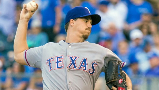 Rangers Rookie Gonzalez Shuts Out Royals on 3 Hits, 4-0