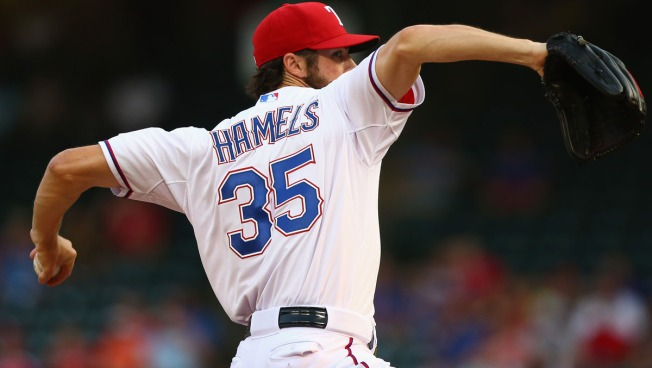 Rangers' Hamels Streak Continues Despite Insane Night