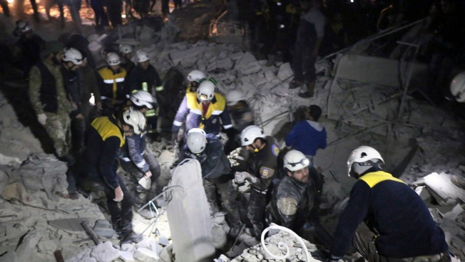 Israel Evacuates Volunteer Group 'White Helmets' From Syria