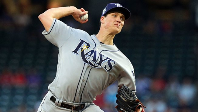 Glasnow Limits Rangers to 2 Infield Singles in Rays' Win