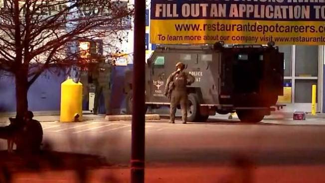 Fort Worth Police Search for Burglary Suspect Barricaded in Fort Worth Business