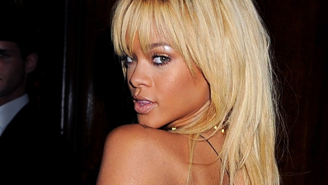 Rihanna Avoids Questions About Ashton Kutcher