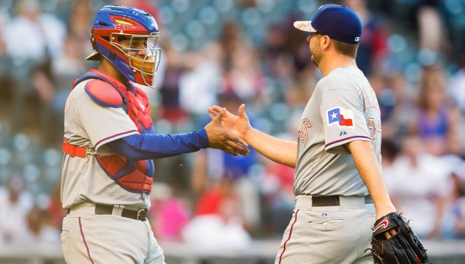 Josh Hamilton Hitless in Return, Texas Wins 6th Straight