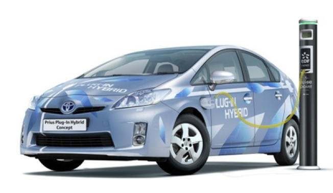 Toyota to Unveil 134 MPG Plug-in Prius for 2011
