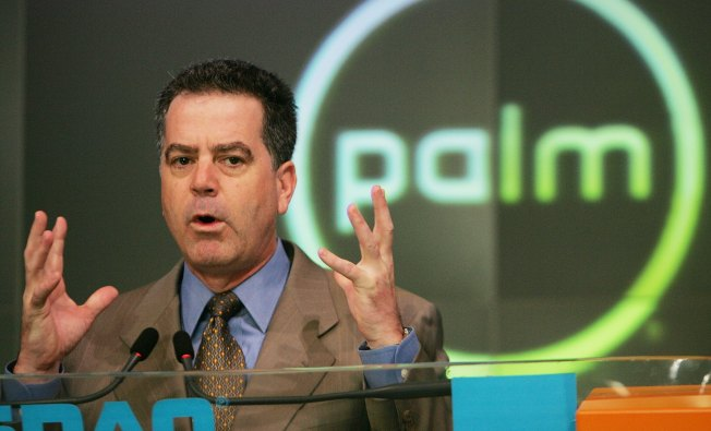 """Steve Jobs' Proposal """"Likely Illegal"""": Palm CEO"""