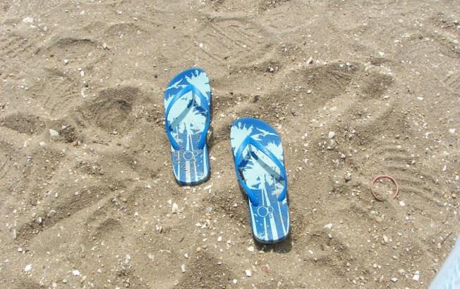 Docs Say Flip-Flops Not Very Foot-Friendly