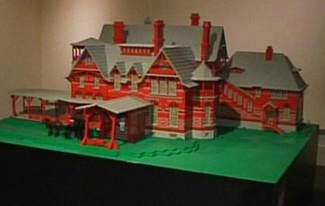 Mark Twain House, in Lego