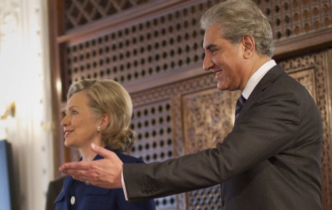Clintons 'Nervous Wrecks' About Chelsea's Wedding