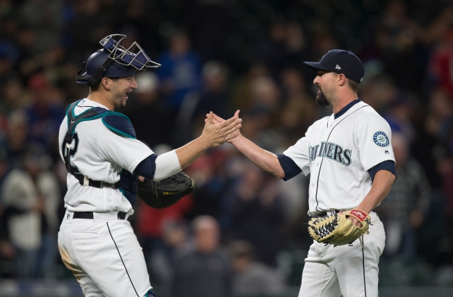 Mariners Beat Rangers 5-0