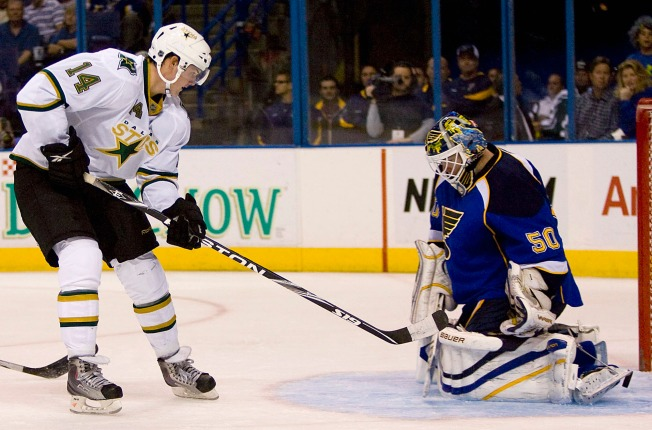 Stars Double Blues in Pre-Season Play