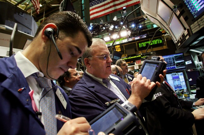 Stocks Lose Grip on Early Gains, Dow off 15