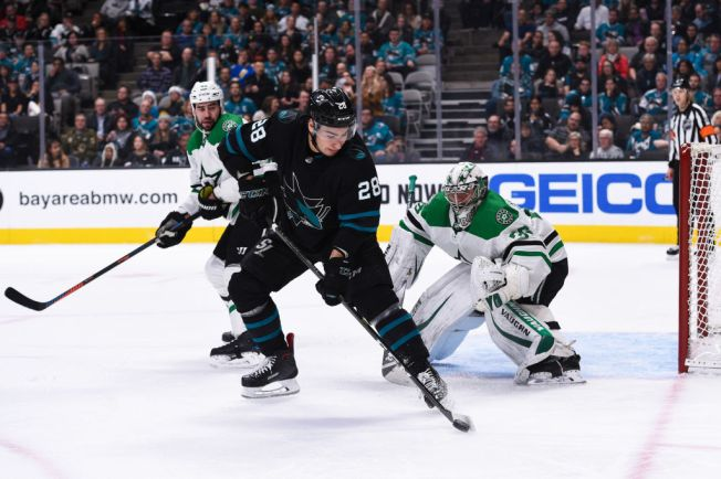 Meier Scores 2 Goals to Lead Sharks Past Stars