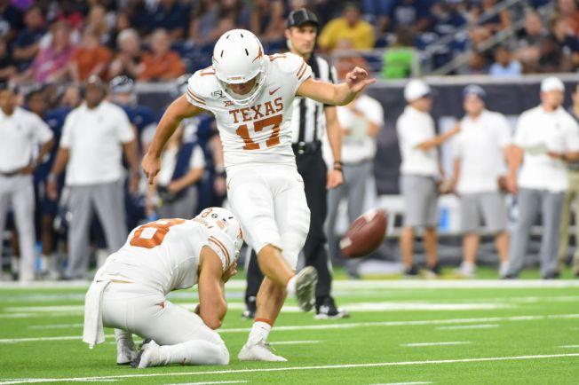 No. 15 Texas Beats Kansas 50-48 on Last-Second FG