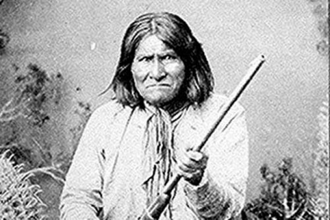 Feds to Geronimo's Fam: Leave Us Out of Battle