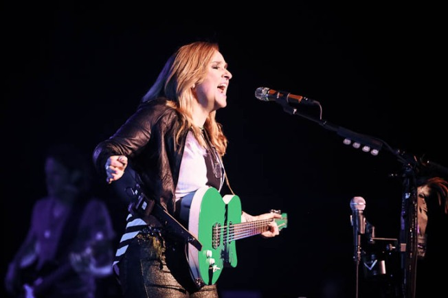 Melissa Etheridge Stands by Angelina Jolie Double Mastectomy Criticism