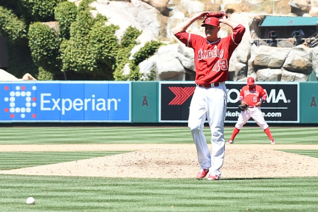 AL West Watch: Angels' Richards Set for Tommy John