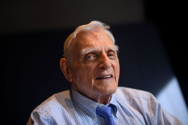 UT Professor Who Pioneered Lithium-Ion Batteries Becomes Oldest Nobel Laureate