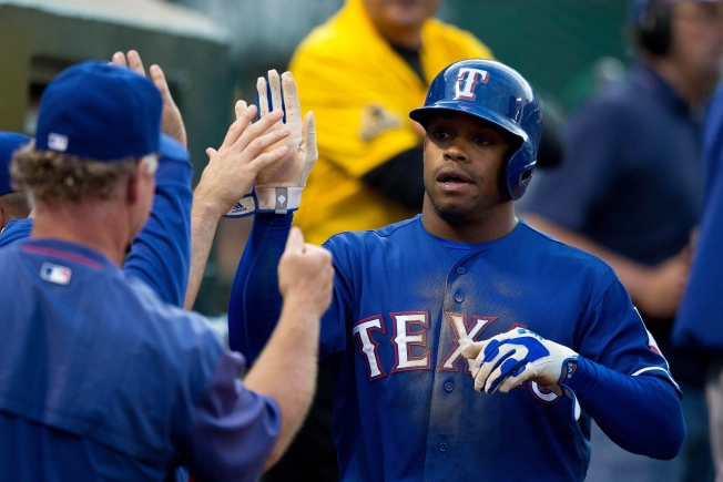 DeShields Injury a Concern for Rangers