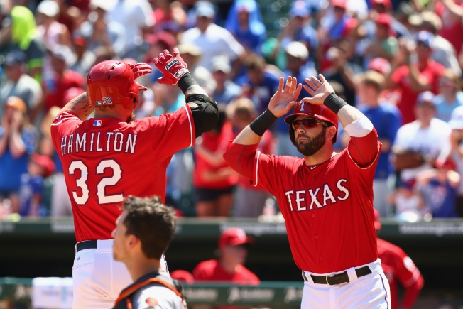 Hamilton Homers; Perez Wins as Rangers Edge Giants 2-1
