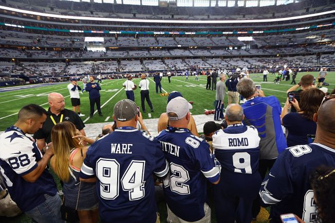 Dallas Cowboys Top List of Most Expensive Teams to Follow
