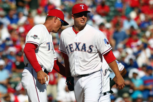Rangers Move On From Pitcher Derek Holland