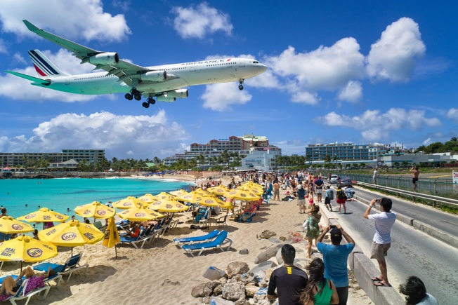 Jet Blast at St. Maarten's Seaside Airport Kills Tourist