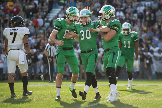 Late FG Lifts North Texas to Wild 52-49 Victory Over Army