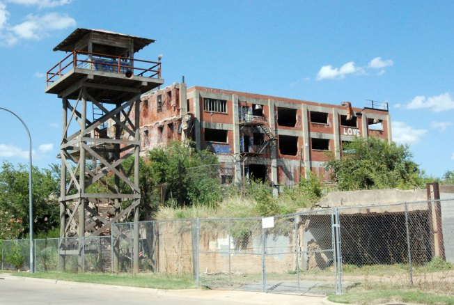 Las Colinas Looks Forward to DART Rail