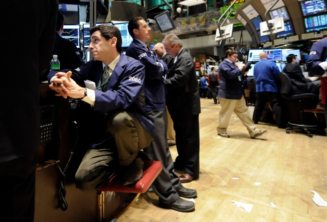 Stocks Inch Higher in Climate of Uncertainty