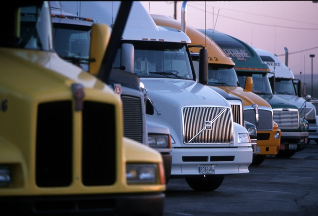 Trucking Industry Attracts Drivers in Troubled Economy
