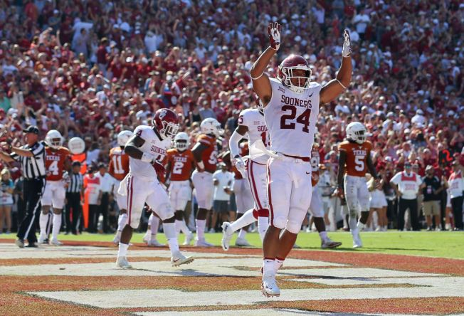 Oklahoma Tops Texas 29-24 After Blowing 20-Point Lead