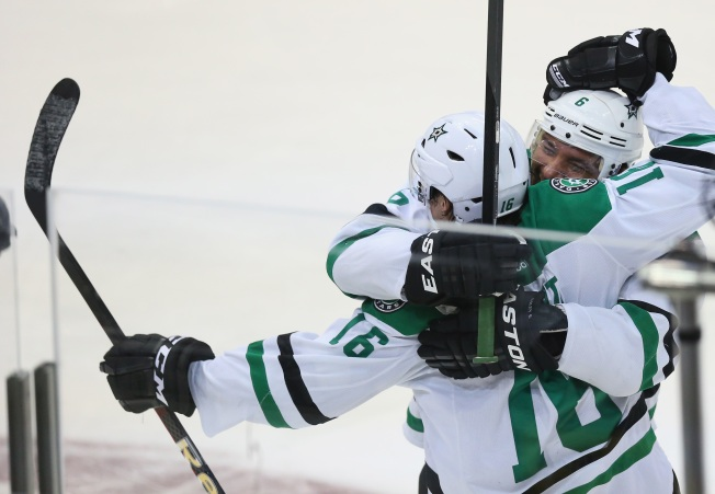 Stars Score 3 in 53 Seconds in Win Over Ducks