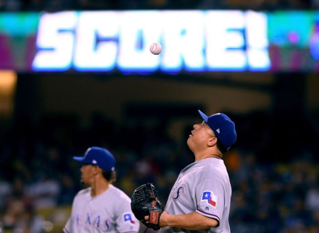 Dodgers Batter Colon for 8 Runs in 12-5 Win Over Rangers