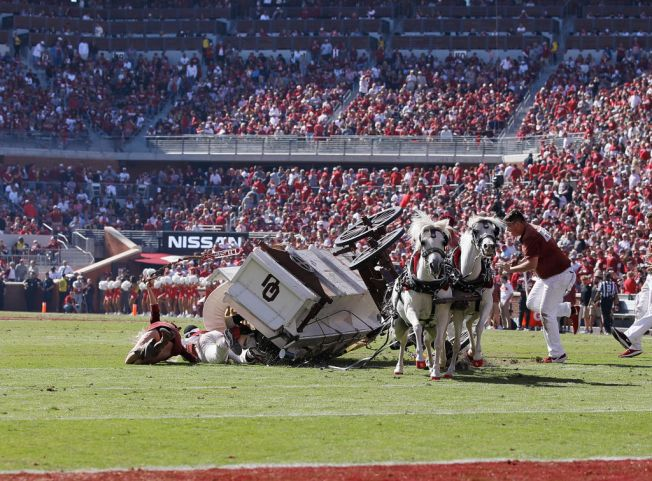 Oklahoma's Sooner Schooner Tips Over on Field; No Injuries