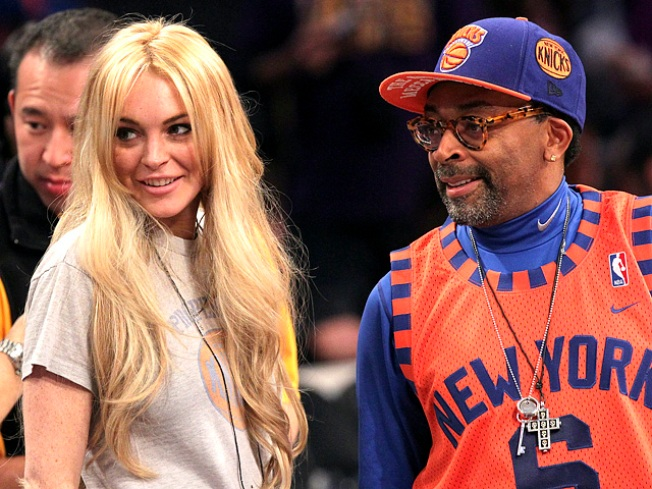 Lindsay Lohan Takes in Lakers-Knicks Game