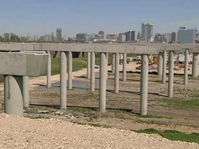 Trinity Bridge Progress Slow in West Dallas